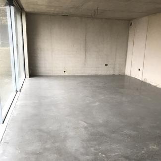 Concrete Floor - Salt & Pepper Finish